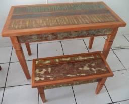 mesa 1,20 m com 1 banco em madeira de demolição.