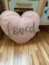Travesseiro formato de coração