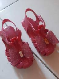Sandálias infantil feminina seminovas