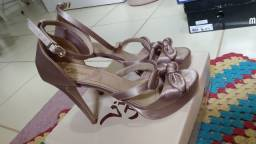 Sandália tamanho 38