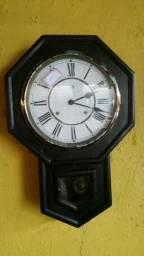 Relógio antigo / antiguidade