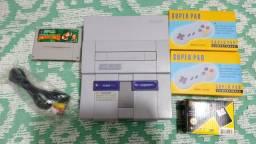 Super Nintendo 2 controles 1 jogo Donkey Kong fonte e cabo AV