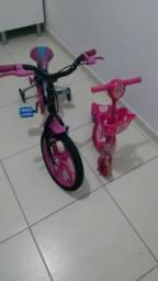 Bicicleta da monster high e patinete da Moranguinho