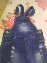 Jardineira calça jeans