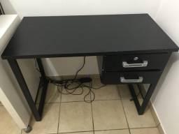 Mesa para computador preta