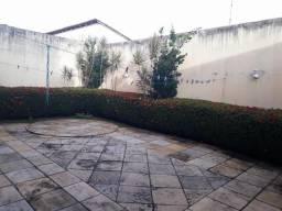 Casa Duple em Cond na Mário Andreazza - 04 Suítes - Escritório - Projetada