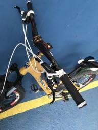 Bicicleta Gios com conjunto shimano e freio hidráulico