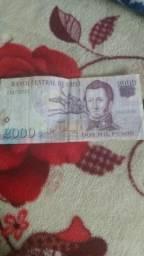 Dos mil pesos chileno