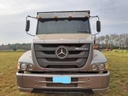 Vendo Caminhão Boiadeiro 2324 - 2012