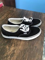 Vans authentic black and white n 43