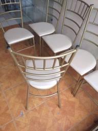 6 cadeiras reforçada usada ótimo estado  ___ entrego