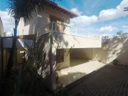 Aluga-se Casa bairro Itapoa 05 Quartos com suite e closet e 05 vagas