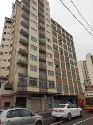 Apartamento com 1 quarto para alugar por R$ 500 - Centro - Juiz de Fora/MG