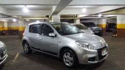 Renault Sandero 2012/2012 Privilege 1.6 64 mil km rodados único dono em Ipanema