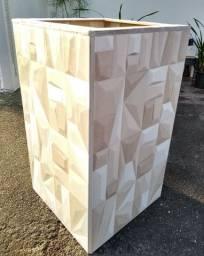Vaso de cerâmica grande geométrico
