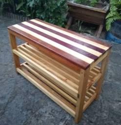Sapateira em madeira