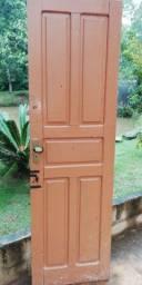 Porta antiga 0,60, de madeira, com fechadura