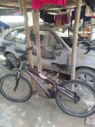 Bicicleta boa só troca a macha e andar