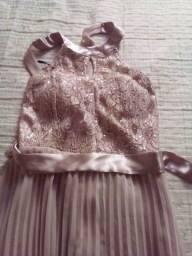 Vestido de festa semi novo  veste do m ao g cor rosa chá e sandália rosa clll