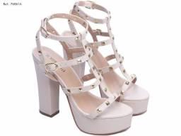 Sapato  Feminino Bege Torricella Nova / Tamanho 34 ao 39