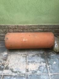 Boiler de aquecimento de água antigo