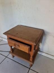 Criado madeira usado relíquia no Pregão 2 Irmãos