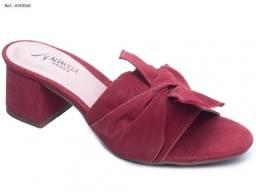 Tamanco feminino vinho Alta Villa Shoes com laço frontal