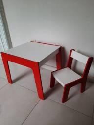 Conjunto Mesa Infantil Com Cadeira em Madeira (MDF)- Branca e Vermelha- Junges