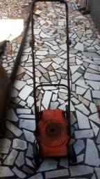 Maquina de cortar grama