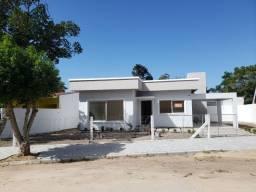ARAMBARE CASA NOVA EM CONSTRUÇÃO NO CENTRO