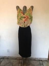Lindo conjunto de saia e blusa