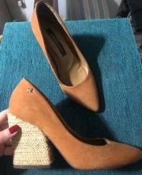 Sapato lindo 35 Cravo e Canela