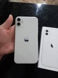Vendo IPhone 11 telefone está top sem nem uma avaria