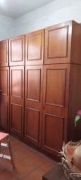 guarda roupa duplex de madeira, já desmontado. 8 portas. Em perfeito estado