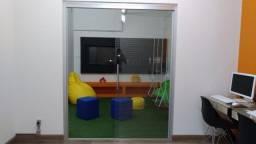 2 portas de correr de vidro sem fechadura