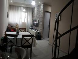 Apartamento dúplex reformado