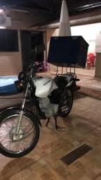 Moto Cargo com bau