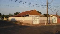 Vila Jacy - com piscina, ampla e segura