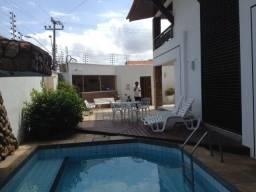Casa Excelente no Calhau, 5 Suítes, 3 Vagas
