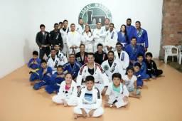 Aulas de Jiu Jitsu.