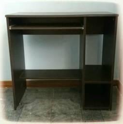 Mesa pra computador. Comp. 0,78/ Prof. 0,40/ Alt. 0,75