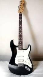 Guitarra Fender Stratocaster Hss, Com Hard Case