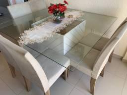 Vendo mesa com 6 cadeiras semi nova