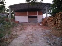 Vendo em avenida Galpão pequeno 150m2 e terreno 455m2 bairro Cidade Nova!