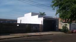 Casa semi nova 03 dormitórios - Próxima a ITE - Refer. 077 DC