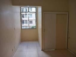 Apartamento com 2 dormitórios à venda, 64 m² por R$ 730.000,00 - Copacabana - Rio de Janei