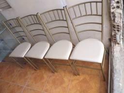 4 cadeiras reforçada ótimo estado Usada ___ entrego