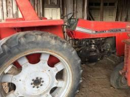 Mf 235 eixo alto , pneu fino . R$20.000