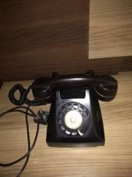 Telefone Ericson antigo em baquelite, em ótimo estado.