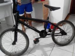 Bicicleta Cross preta